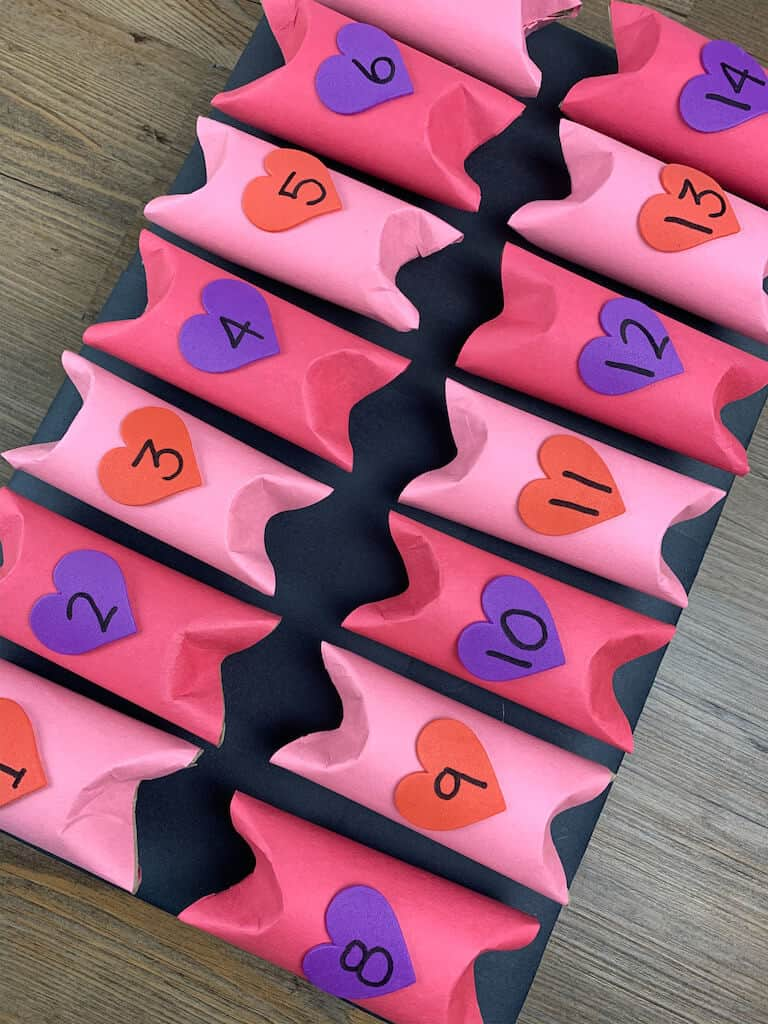 Valentines Day Advent Calendar with numbers 1-14