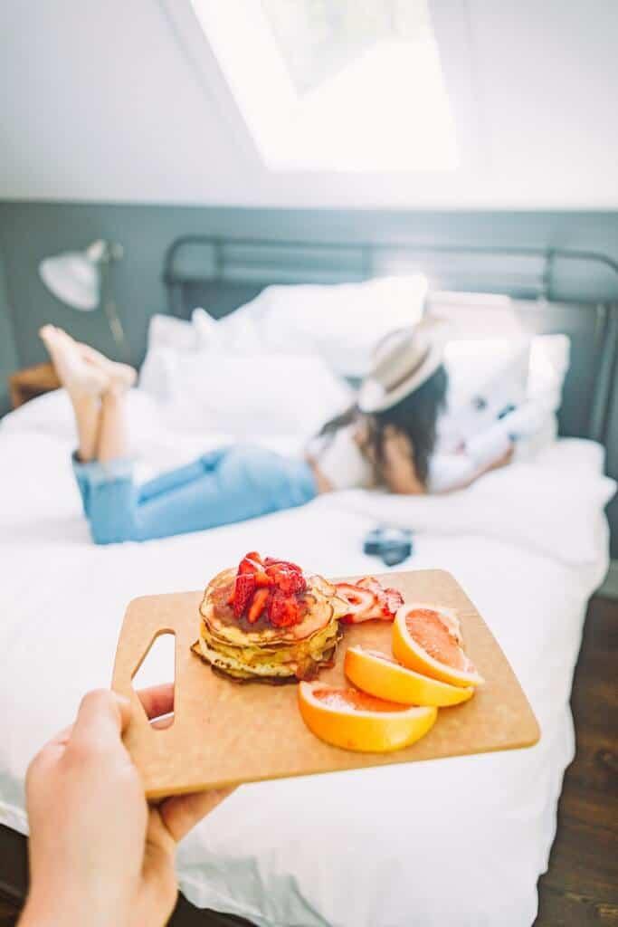 breakfast in bed for a summer bucket list idea